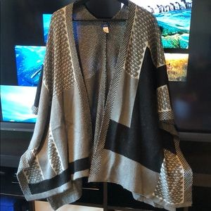 Apt. 9 poncho in excellent condition!